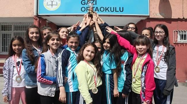 GAZİ ORTAOKULU KAYSERİ'DE TÜRKİYE FİNALİNE KATILIYOR