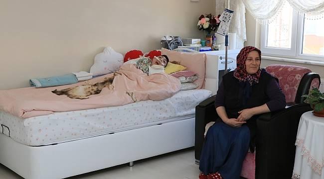 Yaşamı hastanede geçen Eren evine kavuşturuldu
