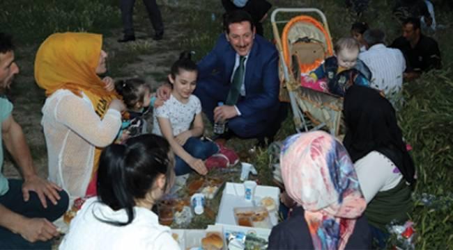 İlkadım'dan piknik havasında iftar