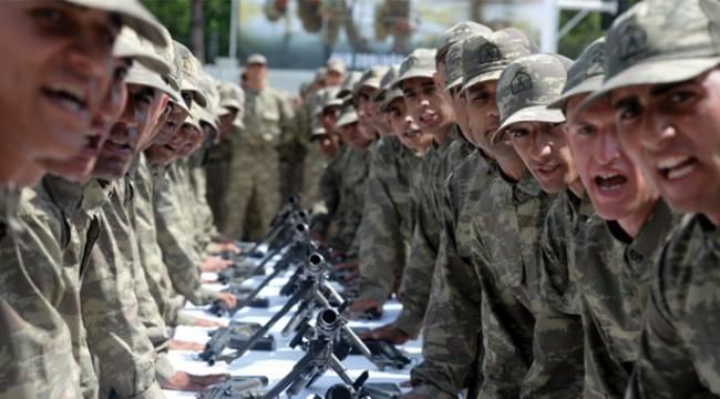 Samsun'da acemi eğitimini tamamlayan askerler yemin etti