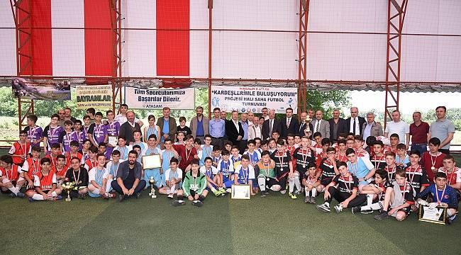 Tekkeköy'de Kırsalın 8 Atlısı Futbol Turnuvası Tamamlandı