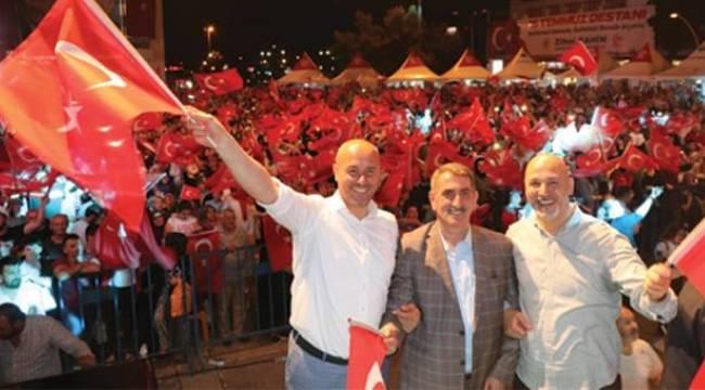 Köktaş 15 Temmuz'da vatandaşlarla bir araya geldi