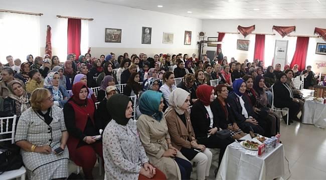 Atakumlu kadınlara kanser farkındalığı