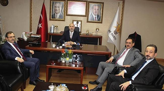 AK Parti'de seçim zirvesi