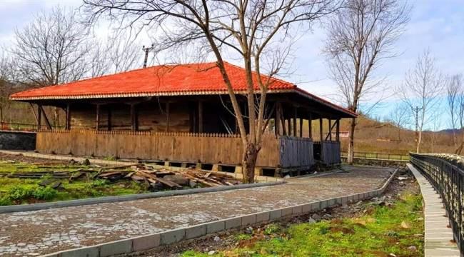 Samsun'da 600 yıllık cami tarihe ışık tutuyor