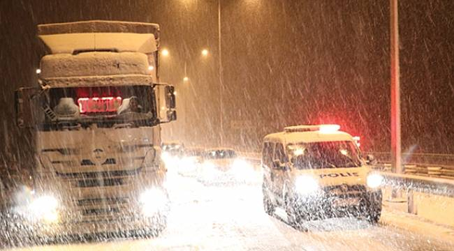 Samsun-Ankara kara yoluna kar engeli