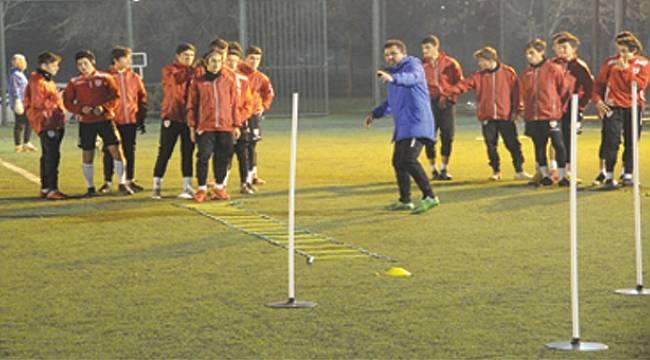 Yılport Samsunspor U16 takımı taktik çalıştı