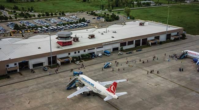 Uçaklar sis nedeniyle Samsun'a yönlendirildi