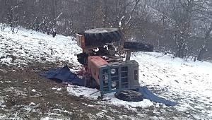 Tokat'ta traktör devrildi: 2 ölü