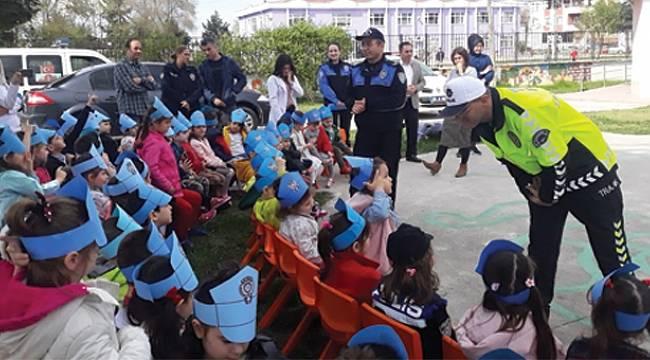 Toplum destekli polislerden anaokulu öğrencilerine eğitim