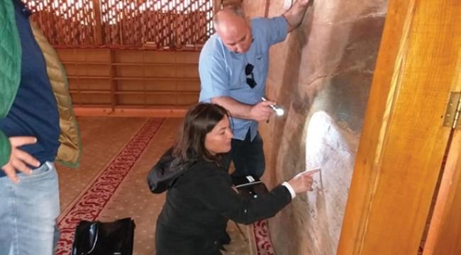800 yıllık caminin duvarlarında tarih gizli