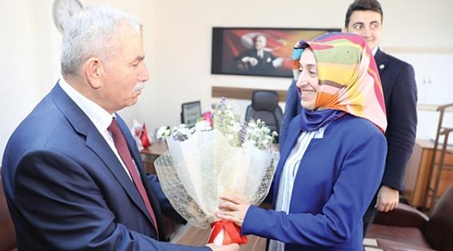 Başkan Demirtaş'tan hemşirelere jest