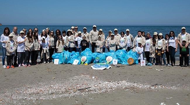 Doğa Dostu Araslar 100. yılda Samsun sahilini temizledi