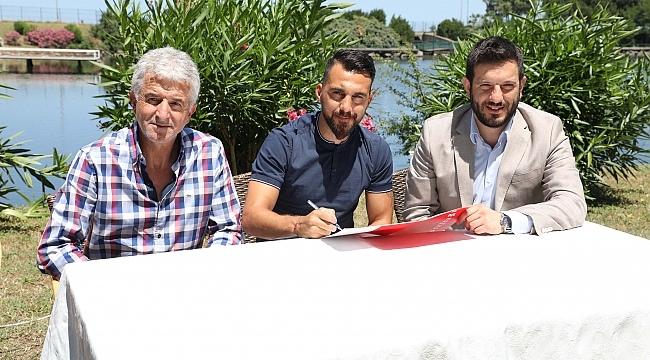 Ferhat Çulcuoğlu imzaladı