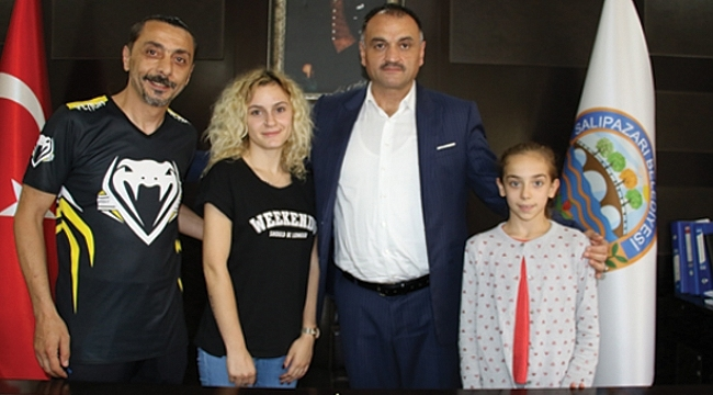 Minik sporcudan Başkan Akgül'e söz:  Dünya şampiyonu olacağım