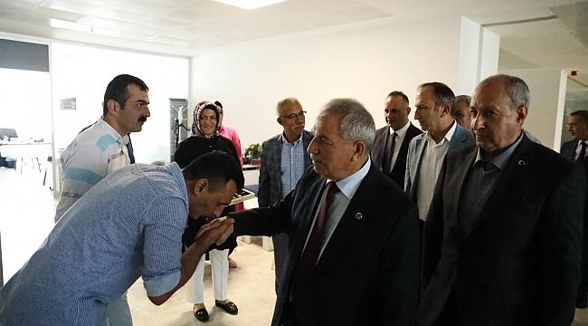 Başkan Demirtaş personeli ile bayramlaştı