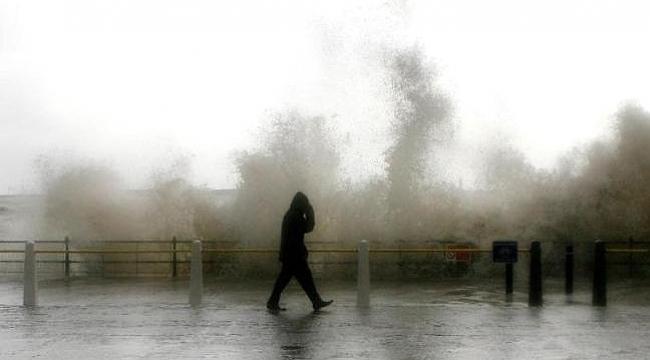 Meteorolojiden sağanak yağış ve rüzgar uyarısı