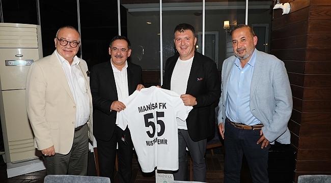 Samsunspor ve Manisa FK'dan dev maç öncesi dostluk yemeği