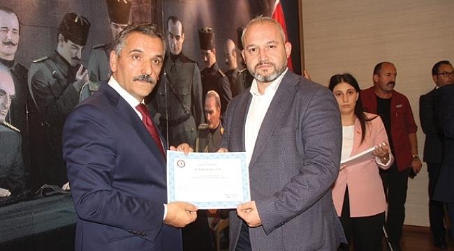 Vali Kaymak'tanİnternet Gazetecileri Cemiyeti'ne teşekkür belgesi