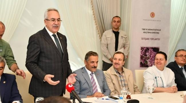 Vali Kaymak: Tıbbi ve aromatik bitkiler Türkiye'de milat olacak