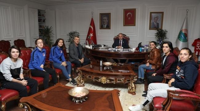 Samsun Haber - Başkan Demirtaş, Mili Takım sevinici paylaştı