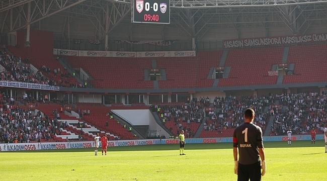 Futbolculardan Ata'ya 1 dakikalık saygı duruşu