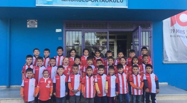 Samsun Haber - Garip ve Zeycan Yıldırım Vakfı'ndan öğrencilere hediye