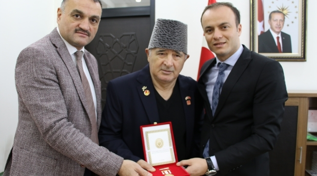 Samsun Haber- Kıbrıs Gazisine madalya