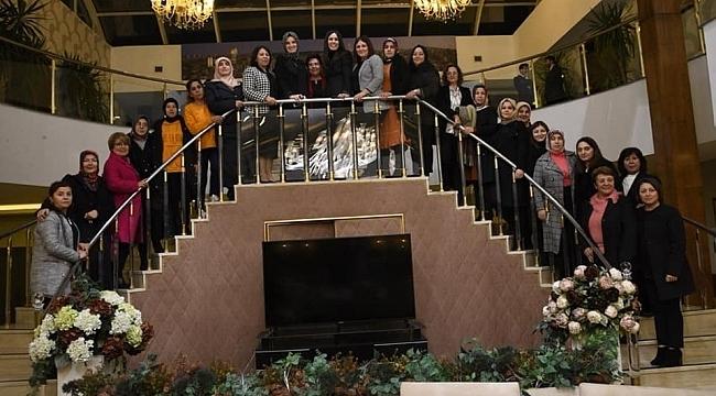 AK Parti Samsun kadın teşkilatları Karaaslan'ı ziyaret etti