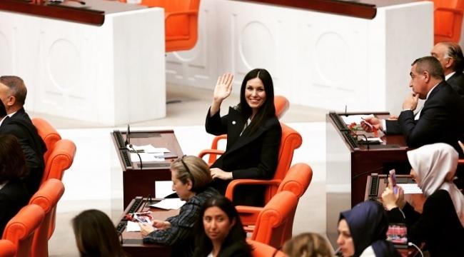 Karaaslan: Kadınlar toplumun ilerlemesinde en etkili dinamiktir