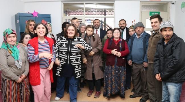 Başkan Sarıcaoğlu'ndan özel çocuklara destek