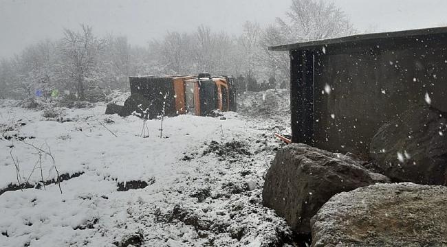 Samsun'daBüyükşehir'in araçları uçuruma yuvarlandı