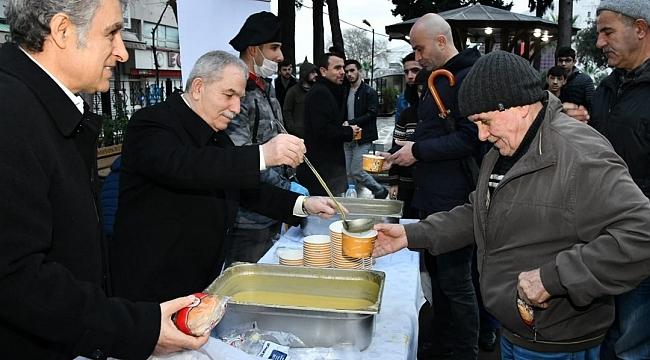 Samsun Haber - Başkan Demirtaş sabah namazında vatandaşlarla buluştu
