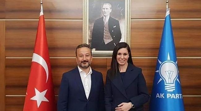 AK Partili SerinkayaKaraaslan'ın yardımcısı oldu