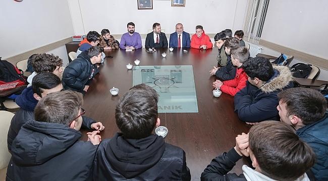 Başkan Sandıkçı öğrencilerle buluştu