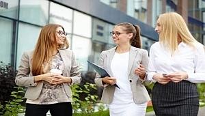 Kadın çalışanlar başarıyı artırıyor