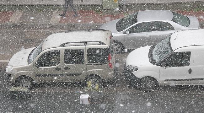 Samsun'da beklenen kar yağışı başladı