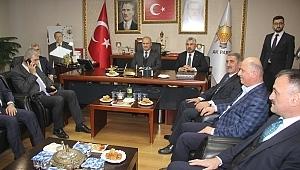 Bakan Turhan'dan AK Parti Samsun'a ziyaret