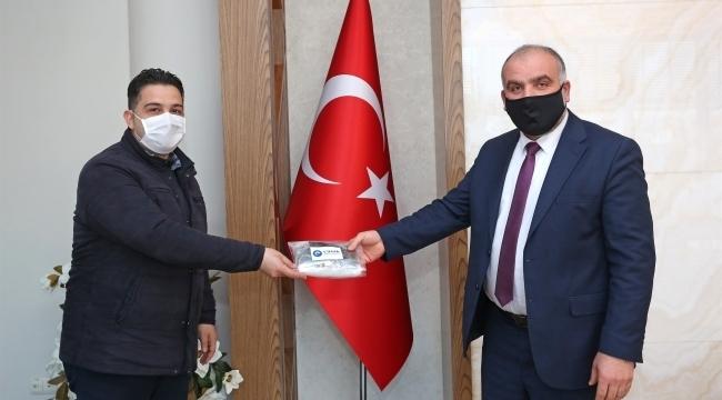 Başkan Sandıkçı'dan mahalle muhtarlarına maske
