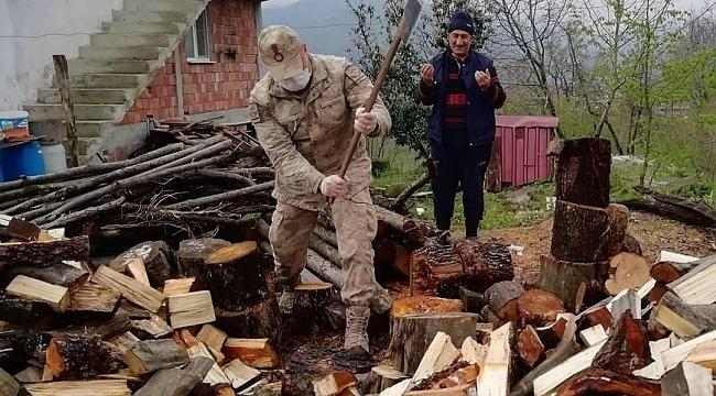 Samsun'da jandarma ekipleri vatandaşları yalnız bırakmıyor