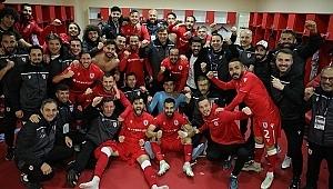 Samsunspor 4 Mayıs'ta geri dönüyor