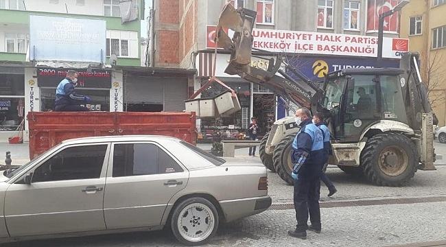 Tekkeköy'de banklar kaldırıldı