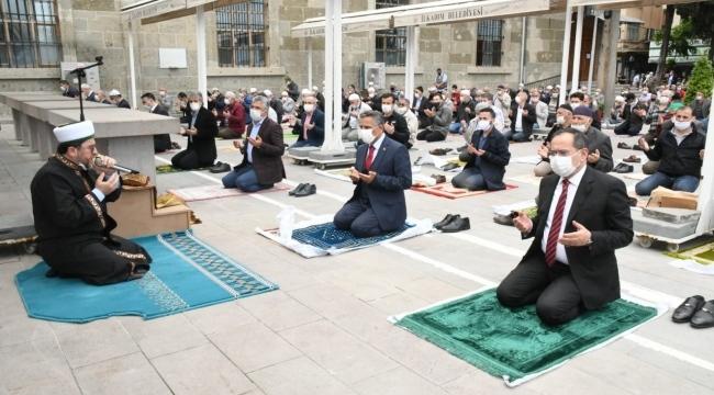 Başkan Demir 74 gün sonra cemaatle buluştu