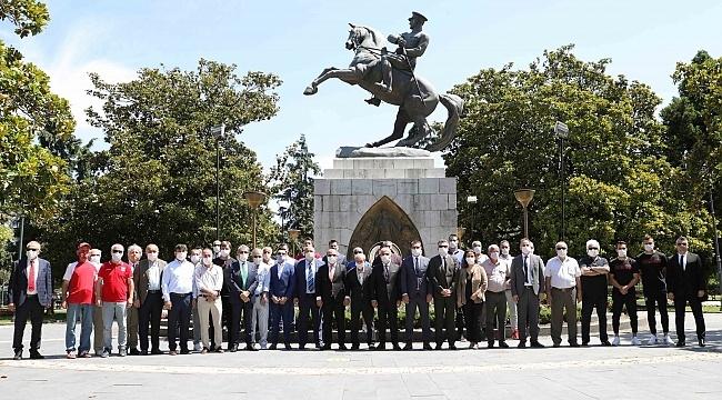 Yılport Samsunspor 55. yılında Anıt'a çelenk bıraktı