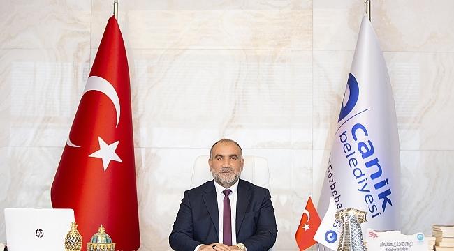 Başkan Sandıkçı 29 Ekim Cumhuriyet Bayramı'nı kutladı