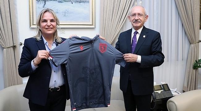 Milletvekili Hancıoğlu'ndan Kılıçdaroğlu'na Samsunspor forması
