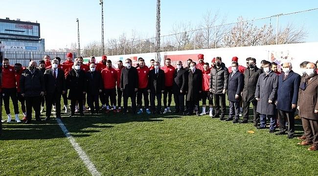 Bakan Kasapoğlu Samsunspor'a başarı diledi