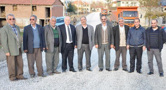 Dereköy'de asfalt hamlesi