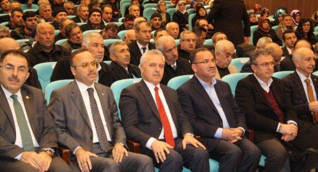 """Adalet Bakanı Bekir Bozdağ: """"Terör örgütlerinin arkasındaki kirli hesap sahiplerini gayet iyi biliyoruz"""""""