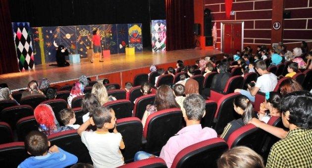 Akşehir'de Çocuklar İçin Tiyatro